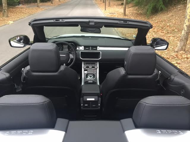 louer un range rover evoque d capotable blanc pour votre mariage avec chauffeur priv au d part. Black Bedroom Furniture Sets. Home Design Ideas