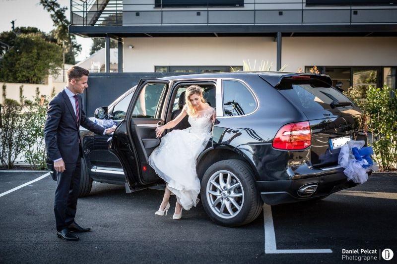 porsche cayenne avec chauffeur priv pour mariage au d part de marseille louer une voiture de. Black Bedroom Furniture Sets. Home Design Ideas