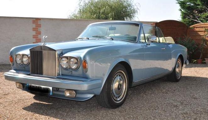 location dune roll royce corniche ii avec chauffeur pour un mariage au dpart de marseille 13007 - Location Rolls Royce Mariage