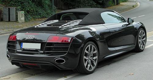 louer une voiture de sport au d part de marseille 13380 la journ e louer une voiture avec. Black Bedroom Furniture Sets. Home Design Ideas